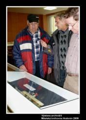 foto - Beseda s Mgr. Jiřím Mrákou o archivních pokladech města Hodonín