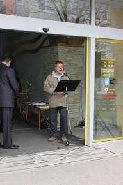 foto - Bible - celonárodní veřejné čtení - Velikonoce 2012