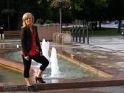foto - Čtení u fontány