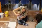 foto - Škvrňata a batolata do knihovny na to tata aneb první krůčky ke čtení