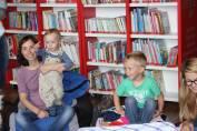 foto - Škvrňata a batolata do knihovny natotata